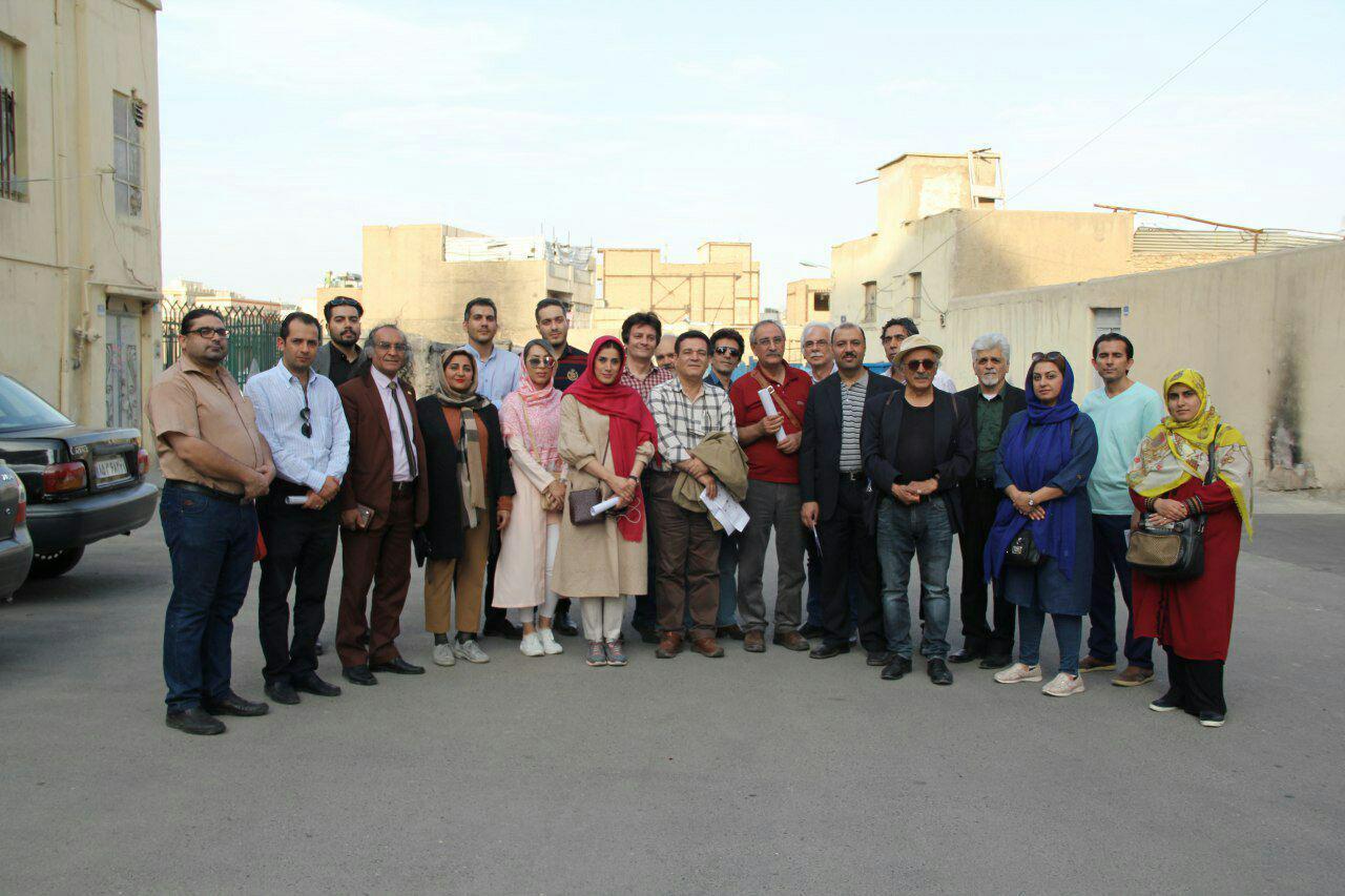 بازدید مجموعه داران از بافت قدیمی محله سیروس جهت استقرار و تاسیس موزه ۹۷/۳/۳